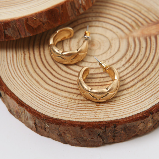 Crossed Pattern Hoop Shape Earrings