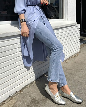 Ripped Ankle-Length Jeans